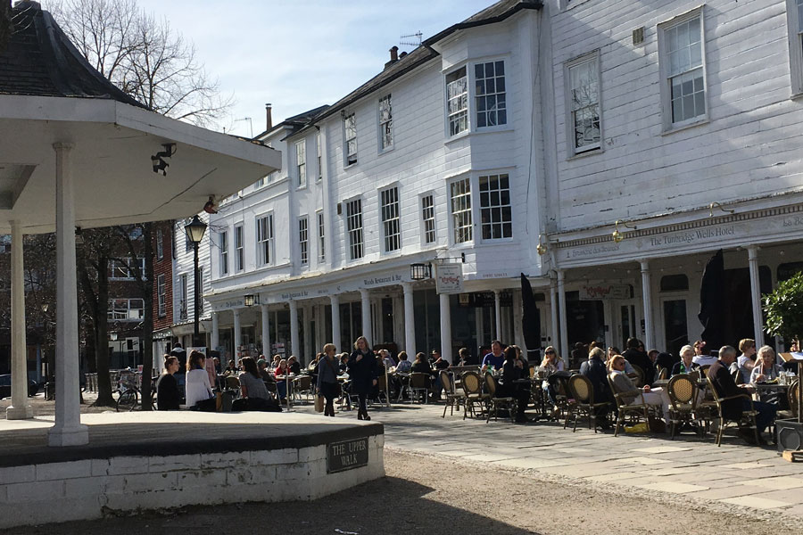 Pantiles busy area