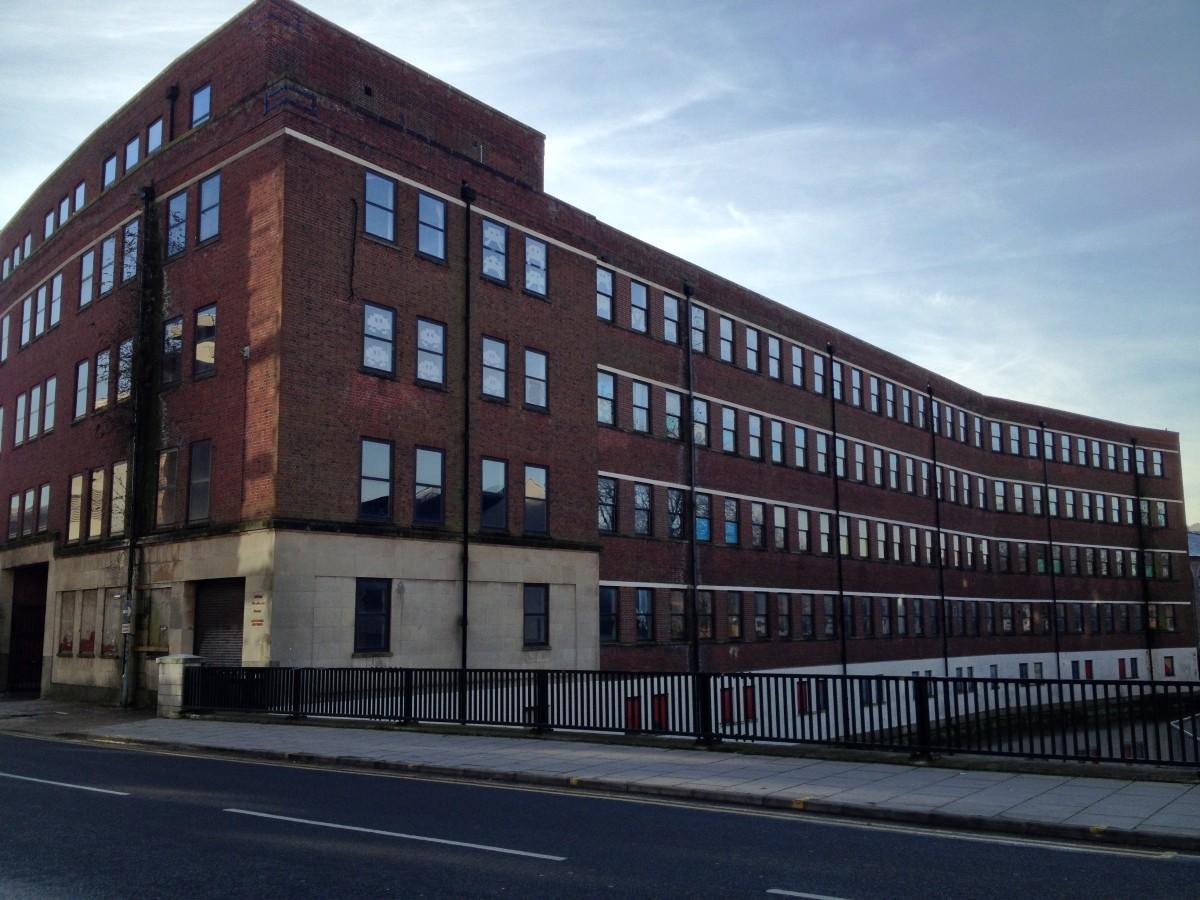 riverside-building-north-east-corner