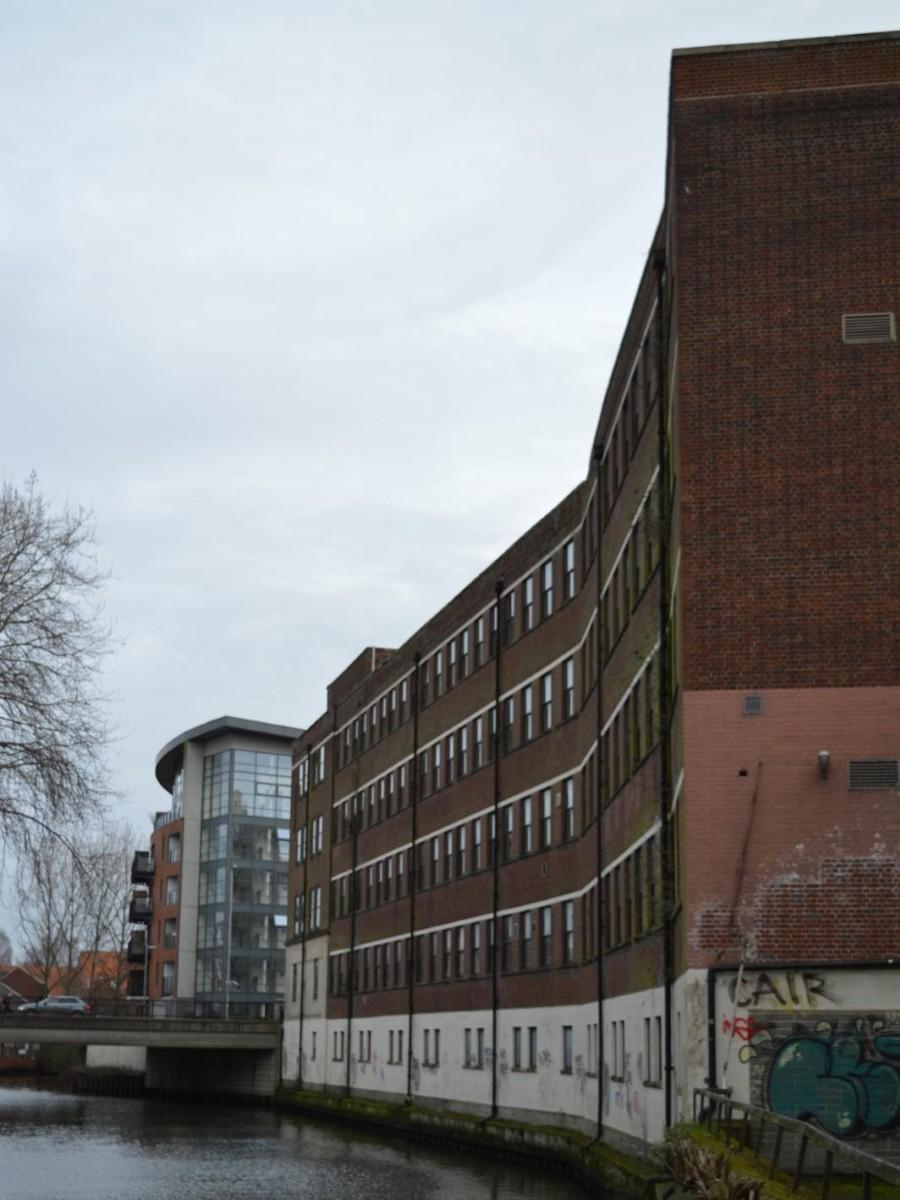 riverside-building-north-west-corner-2